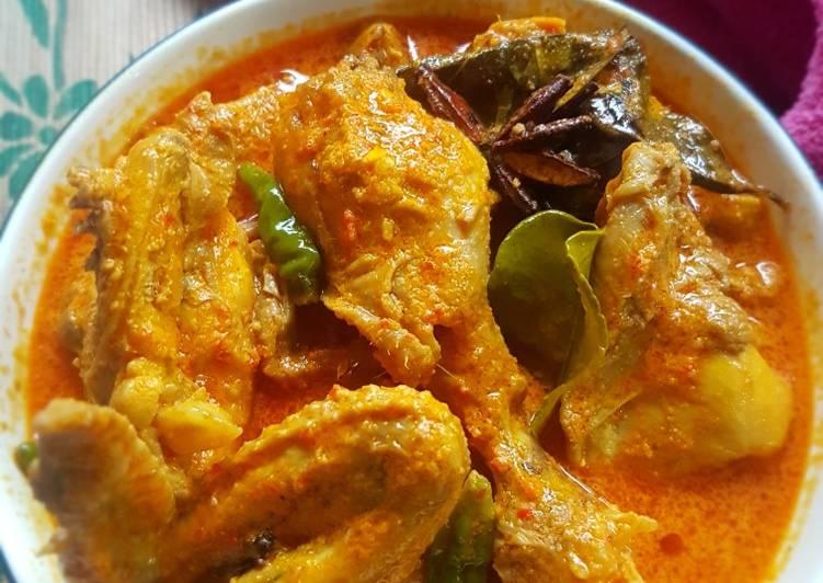 Kari Ayam Pedas Spicy Chicken Shophere
